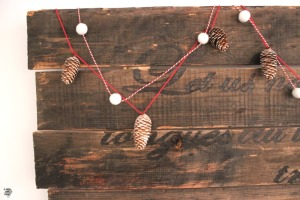 Easy Christmas Garland Decoration