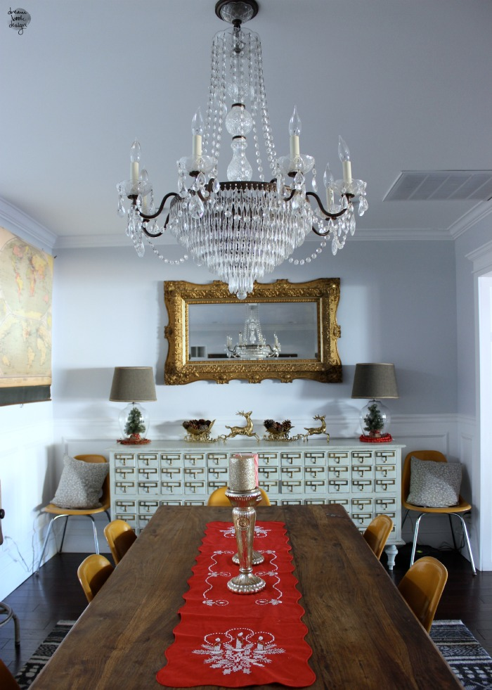 dining in vs dinging out What dining table size you need find out here.