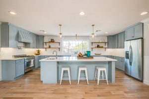 Flip It Friday – Slump Block Ranch Kitchen & Laundry Room