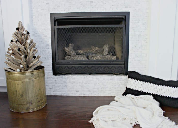 winter fireplace decor dreambookdesign.com