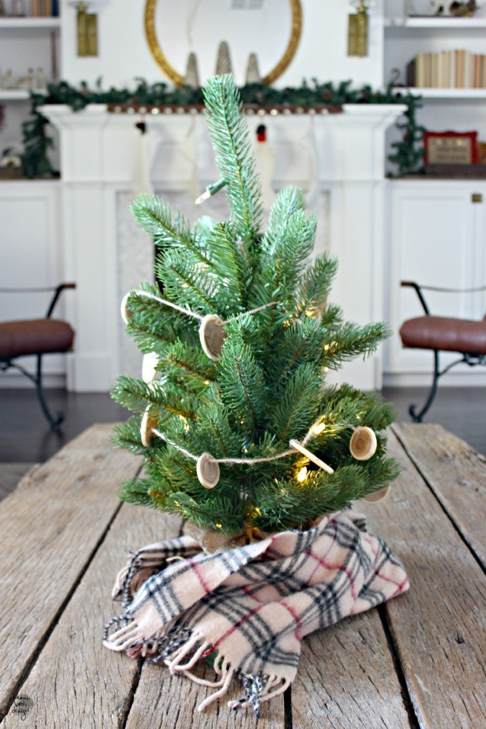 how to decorate a christmas tree 12 / dreambookdesign.com