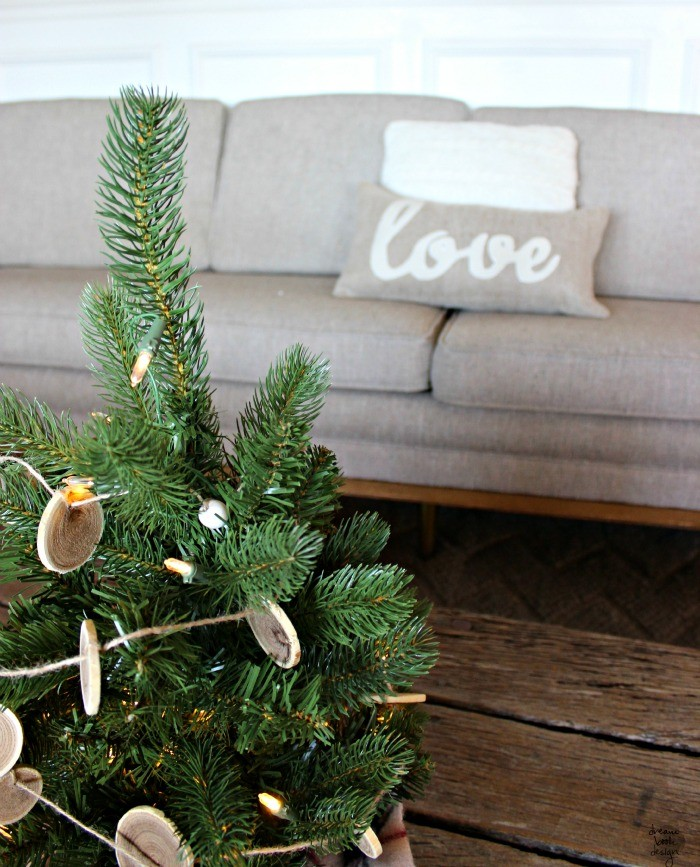 how to decorate a christmas tree 14 / dreambookdesign.com