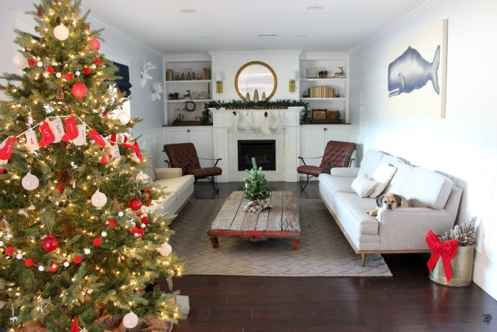 how to decorate a christmas tree 6 / dreambookdesign.com