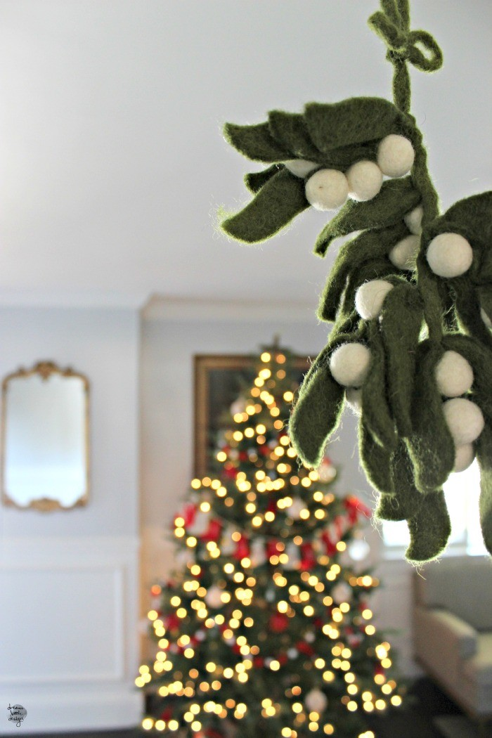 how to decorate a christmas tree 9 / dreambookdesign.com