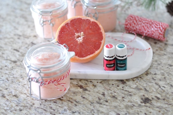 peppermint grapefruit sugar scrub / dreambookdesign.com